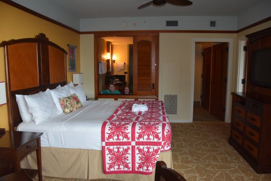We Chose The 2 Bedroom Villa This Is The Master Bedroom Bath Picture Of Aulani A Disney