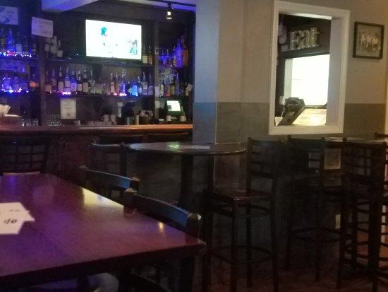 College Hill Tavern: 20170412_211340_large.jpg