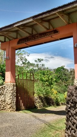 Finca Luna Nueva Lodge: Main entrance