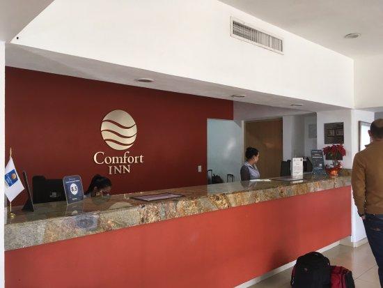 Comfort Inn Puerto Vallarta: Front Desk