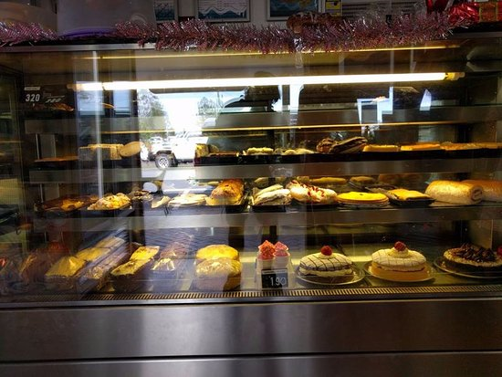 Landsborough, Australia: Birthday cakes and special occassions