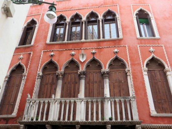 Venice Free Walking Tour: casanova house