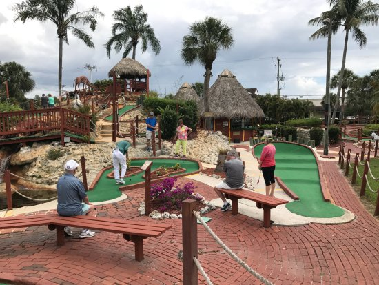 Golf Safari Mini Golf