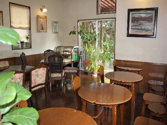 Cafe Noah 店内 picture of cafe noah inzai tripadvisor