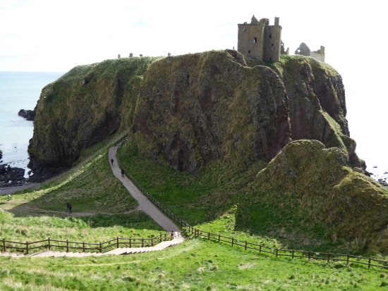 Stonehaven, UK: On the walk to Dunnottar Castle
