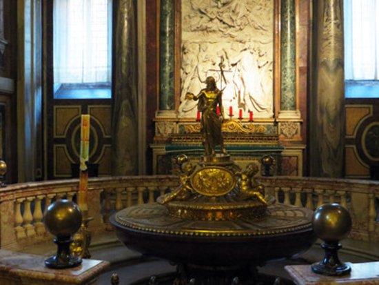 Photo of Historic Site Basilica di Santa Maria Maggiore at Piazza Di Santa Maria Maggiore 42, Rome 00185, Italy