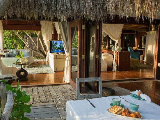 North Island Seychelles: Start your day in paradise with breakfast at your private island villa