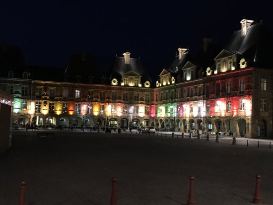 place ducale picture of place ducale charleville mezieres tripadvisor. Black Bedroom Furniture Sets. Home Design Ideas