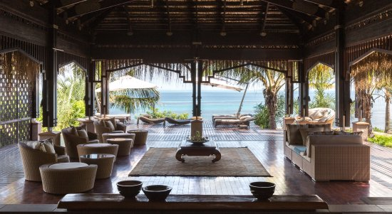 Bazaruto Island, Mozambik: Anantara Spa entrance with lounge and view