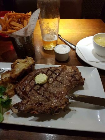 Miller And Carter Oracle: 18oz rib eye with sweet potato fries...very nice!