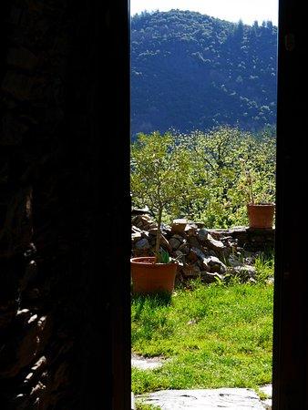 Vialas, Francia: Porte de sortie sur une des terrasses