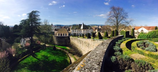 Bouchard Père & Fils : Vue depuis le Bastion / View from the Bastion