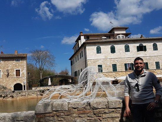 Bagno vignoni foto di bagno vignoni provincia di siena - Adler terme bagno vignoni last minute ...