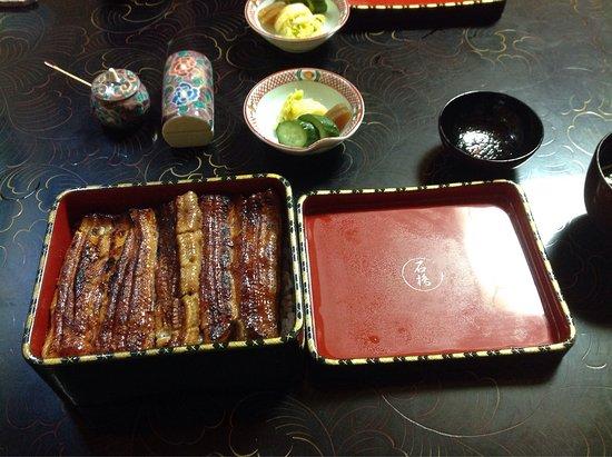 Ishibashi: 文京区 石ばしの特上、鰻重です。