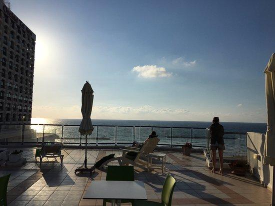ماكسيم هوتل تل أبيب: Vue du roof top