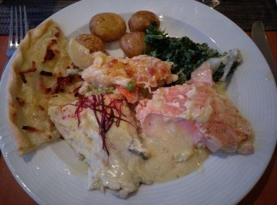 Gaegelow, Германия: Hauptgang Abendbuffet