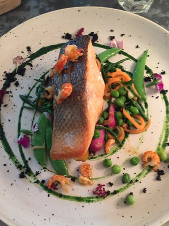 Cookham, UK: Salmon - Fish of the Day