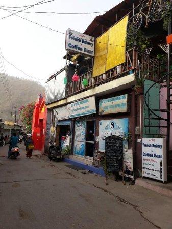 Aelis French Bakery & Coffee Bar