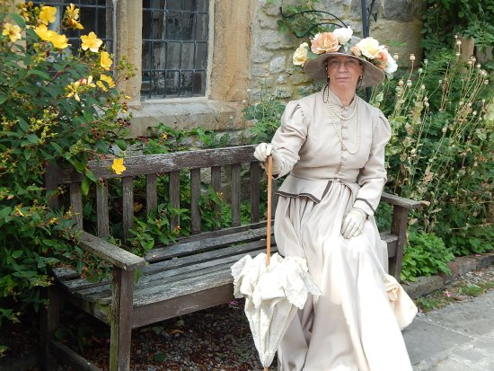 Bakewell, UK: Costumed events