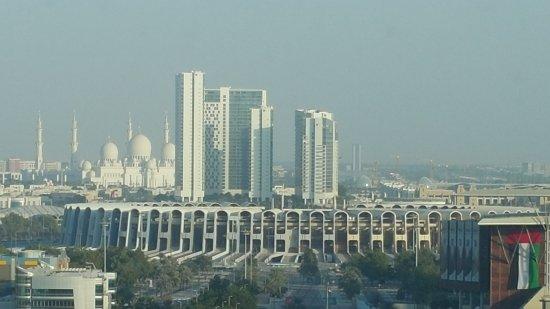 Aloft Abu Dhabi: View of Grand Mosque