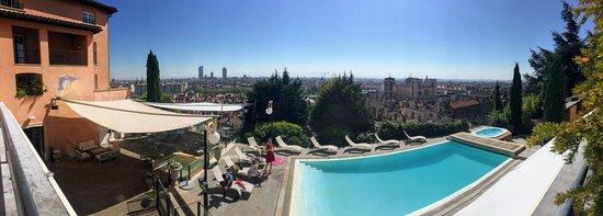 فيلا فلورينتين: Terrasse et piscine
