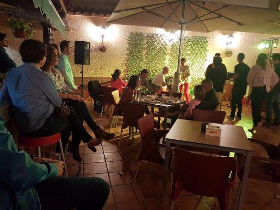 Formentera del Segura, España: Inauguración en la terraza con musica en vivo 08/04/2017