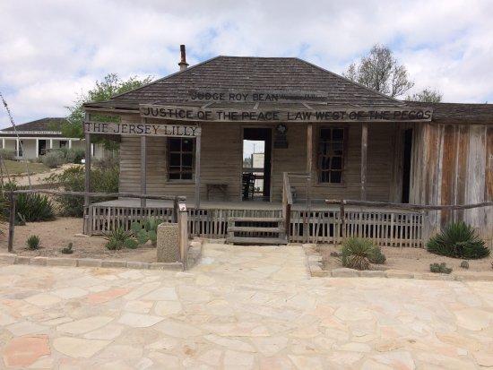 Judge Roy Bean Museum: Langtry Bar