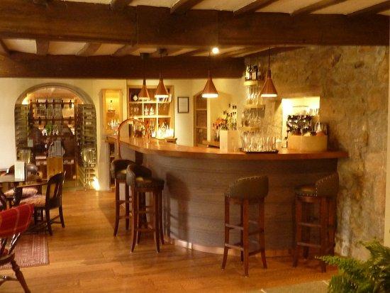 St. Peter, UK: Bar