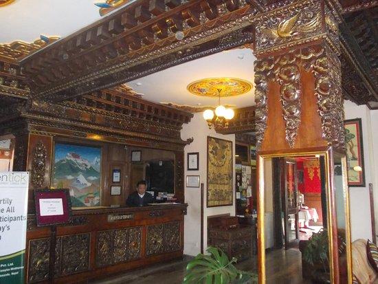 Hotel Tibet: Reception
