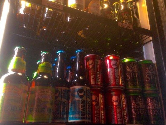 San Benedetto dei Marsi, Italy: Pub-birreria con una vasta gamma di birre. Deliziamo i nostri clienti anche con ottimi cibi. La