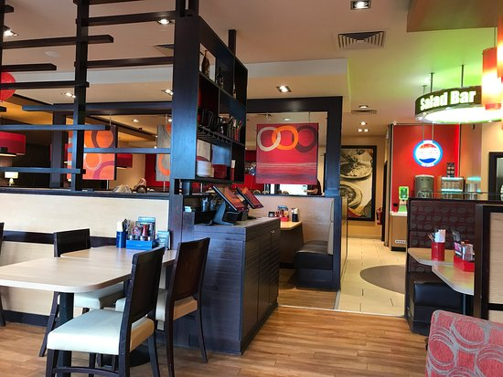Pizza Hut Luton Hatters Way Retail Park Chaul End Ln