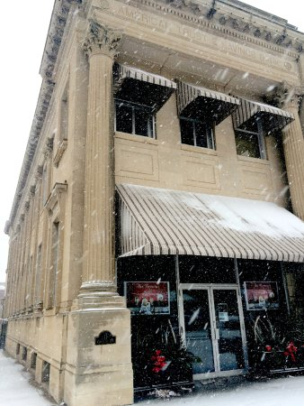 Le Mars, IA: The Browns Century Theater at Christmas