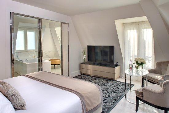 la villa haussmann. Black Bedroom Furniture Sets. Home Design Ideas