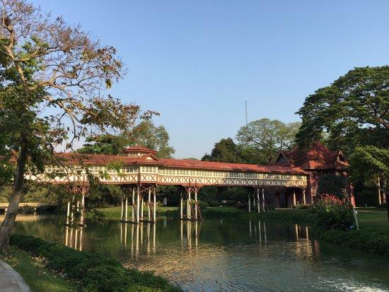 photo1.jpg - Picture of Sanam Chandra Palace, Nakhon ...