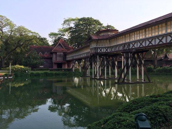 photo3.jpg - Picture of Sanam Chandra Palace, Nakhon ...