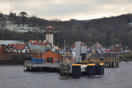Sunnyside House Bed & Breakfast: Wemyss Bay Ferry Terminal for the Rothesay Ferry
