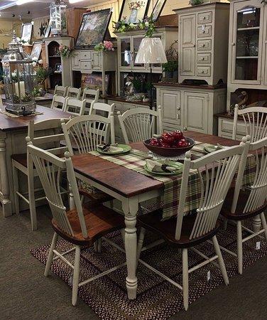 Buchanan, VA: Amish Made Antique White Furniture