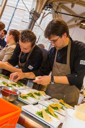 Keuken team tijdens culinair event proefmei
