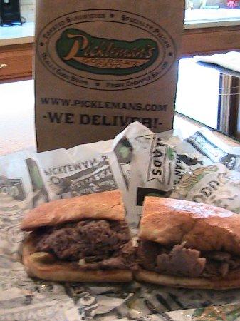 Pickleman's Gourmet Cafe: Italian Beef sandwich