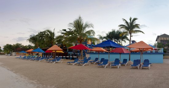 Negril Palms Hotel: Relax on the beach