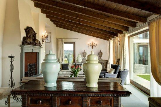 Montespertoli, Italy: Villa Tornabuoni Living Room