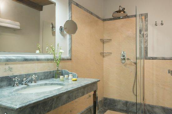 Montespertoli, Italy: Two Bedrooms Suite - Bathroom