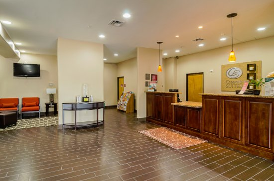 Quality Suites North IH 35: Lobby
