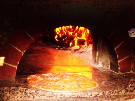 Cathedral City, CA: Impressive Brick oven