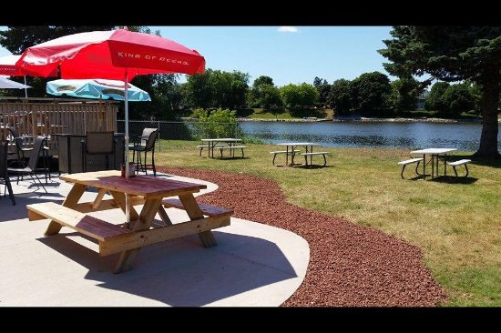 Two Rivers, WI: beer garden