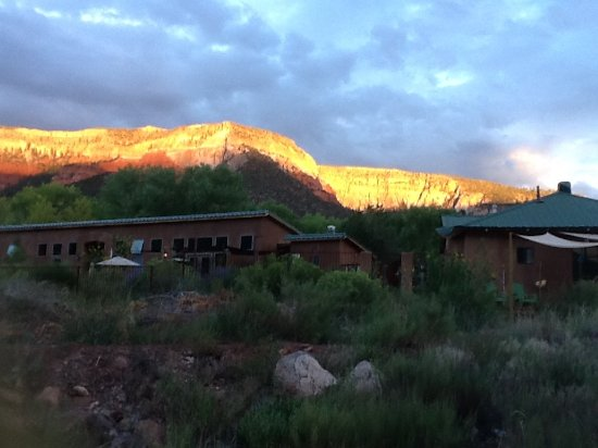 Canon del Rio Retreat & Spa: Cat Mesa Sunset backdrop