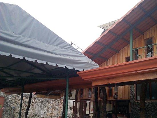 San Pedro, Kostaryka: Restaurant's house and premises
