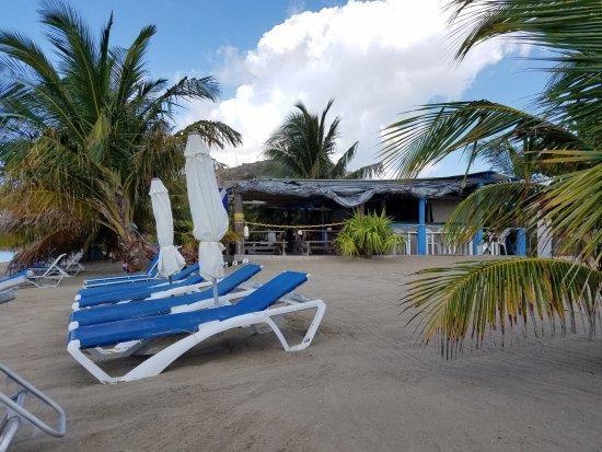 Discovery Beach Bar