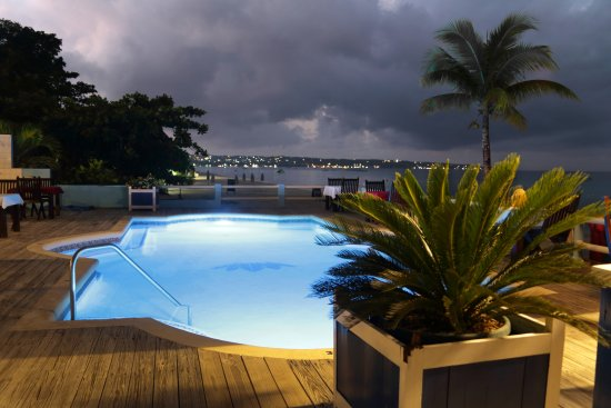 Negril Palms Hotel: Swim in our beautiful pool