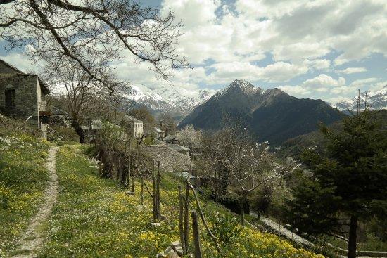 Syrrako - Kalarrytes Path: Καλαρρύτες